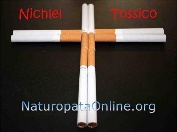 fumare sigarette croce