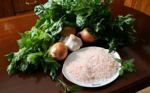 prezzemolo aglio cipolla aglio sedano basilico