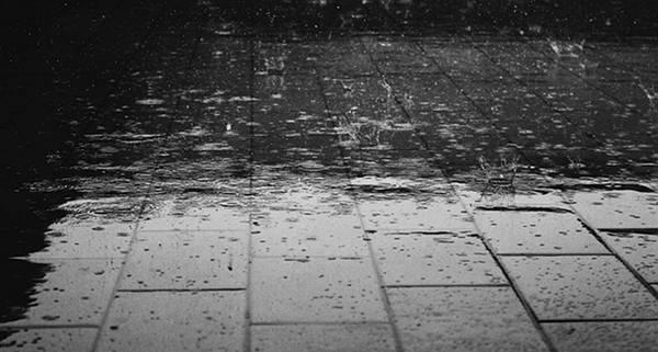 acqua marciapiede pioggia