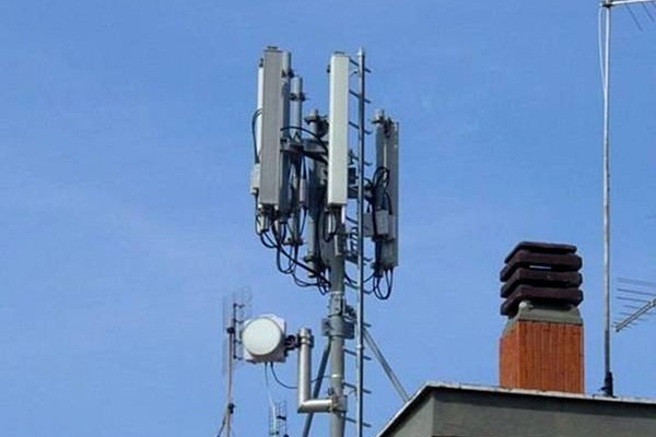 antenne cellulari effetti mutageni