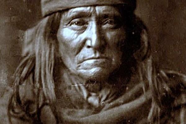 capelli lunghi indiano america