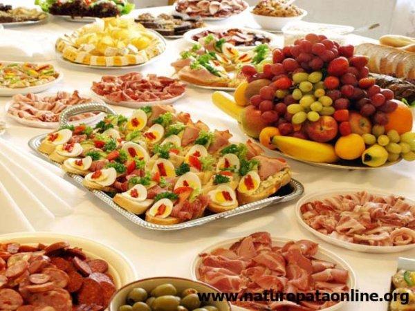 tavola imbandita buffet