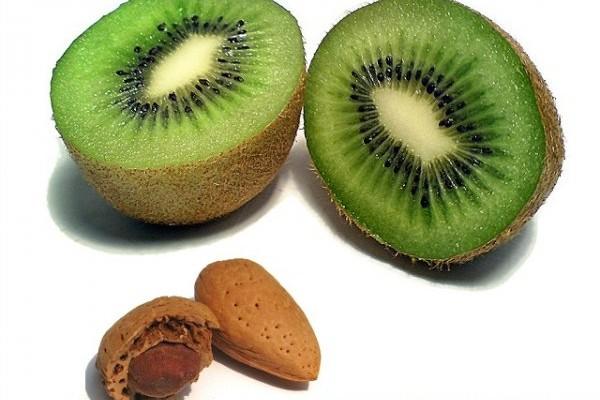 mandorle kiwi