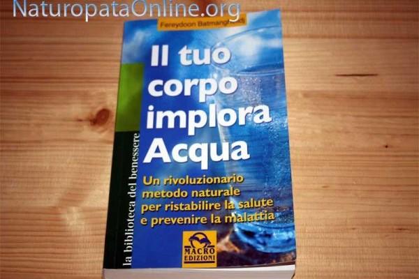 libro tuo corpo implora acqua