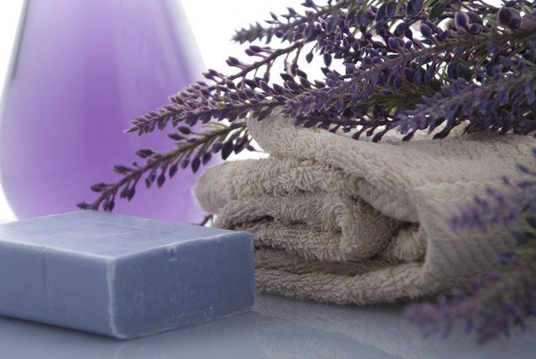 olio-essenziale-lavanda