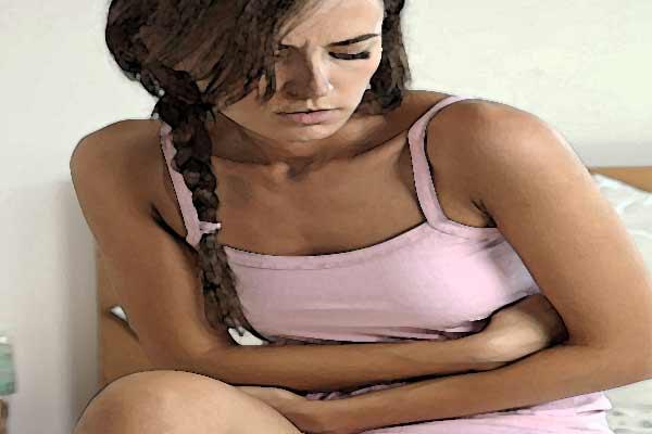 donna-gastralgie-mal-di-stomaco