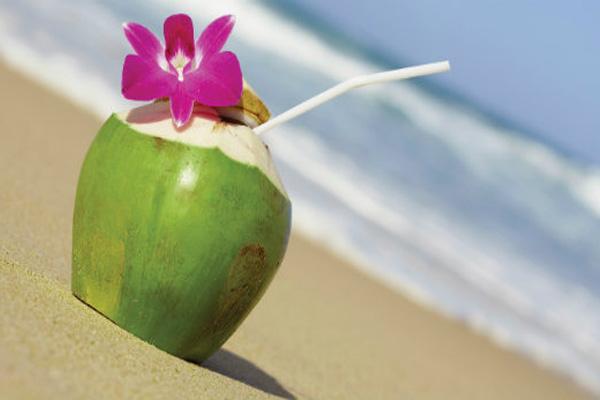 acqua-di-cocco-energy-drink-naturale-benefici