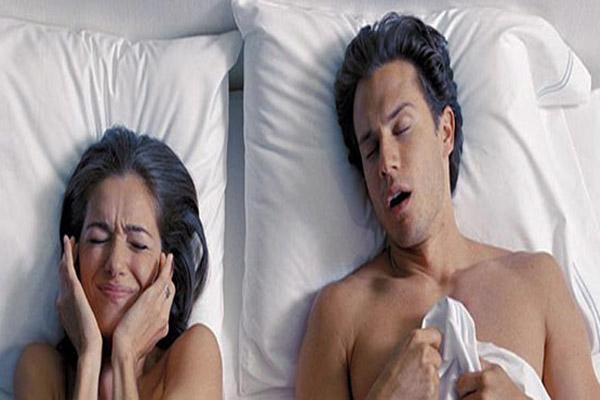 soluzione-per-non-russare-rimedi-casalinghi