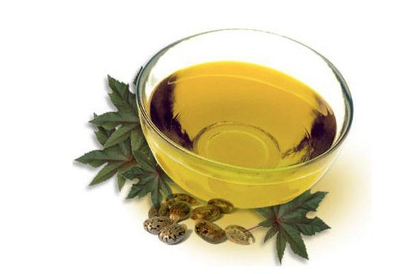 olio-di-ricino-lassativo-naturale-ciglia