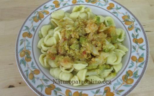 orecchiette_con_broccolo_romanesco