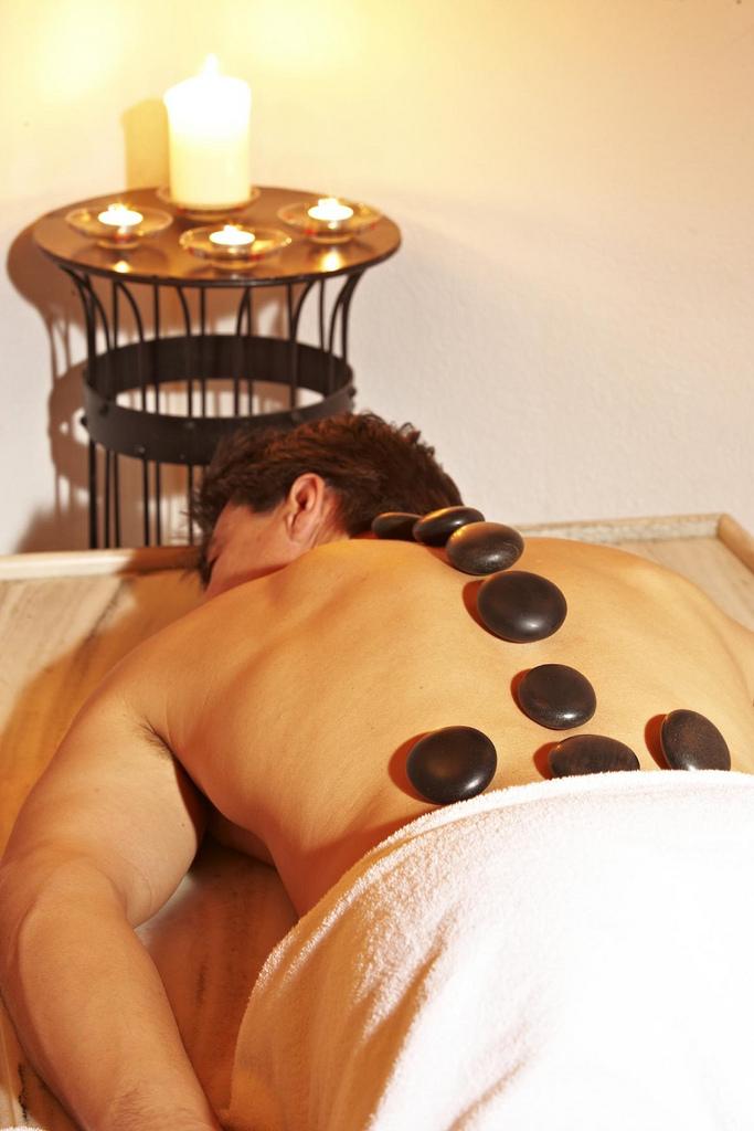 stone_massage_benefici_proprietà