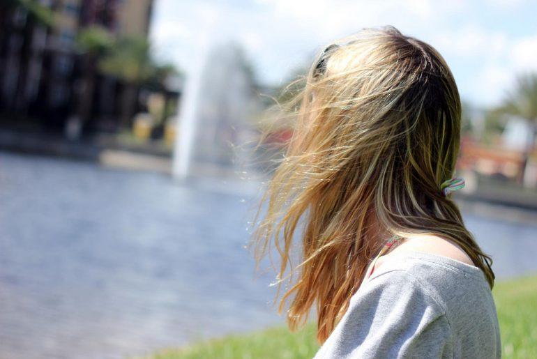 perchè_si_perdono_i_capelli