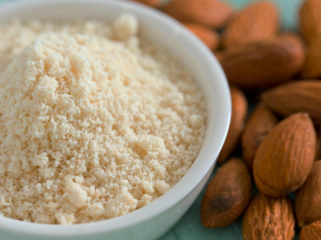 puoi mangiare farina di cocco con una dieta chetogenica
