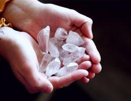 Meditazione-cristallo-di-rocca